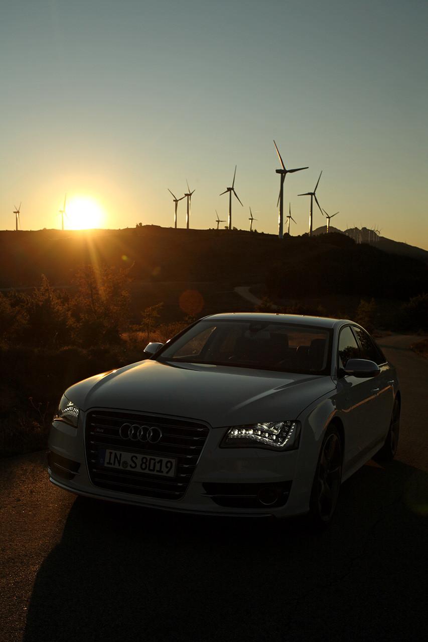 Audi S8 11